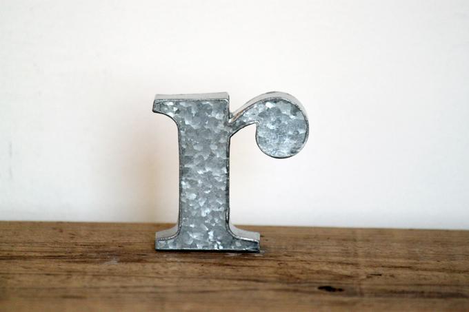 ブリキアルファベット小文字r(2個セット)インテリア