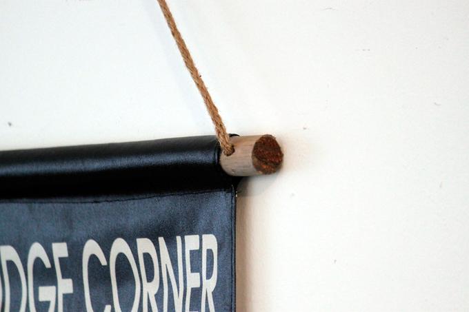 ロールサインタペストリーB アンティーク ウォールデコ 壁掛けディスプレイ インダストリアル 黒