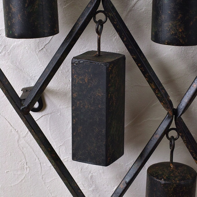 PATINA IRON WALL DECO BOTTLE